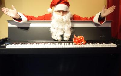 """FROHE WEIHNACHTEN!  """"White Christmas"""" Santa Claus spielt auf einem DEXIBELL VIVO H7"""