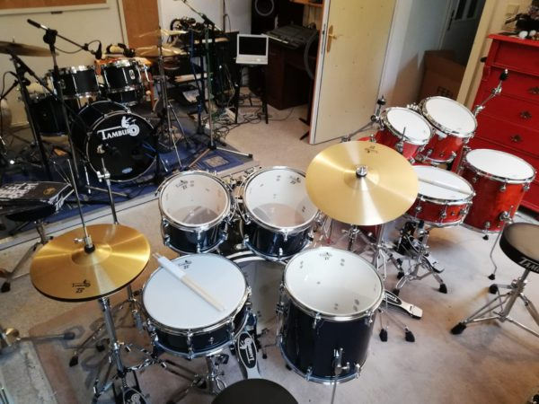 "TAMBURO Schlagzeug ""T5 Serie"" PLUS in black sparkle 20/10/12/14+SD+HW+Cymbals"