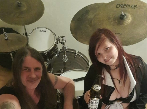 DOPPLER Browny Cymbals: Janette TheRev Gulácsy und Andy Rethmeier
